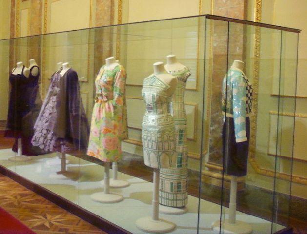 Una sala della Galleria del Costume di Palazzo Pitti (Firenze)